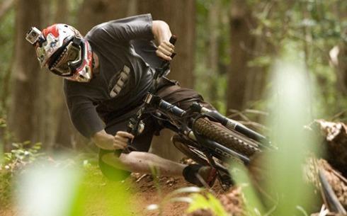 GoPro aplicada al casco para el entrenamiento en Mountain Bike